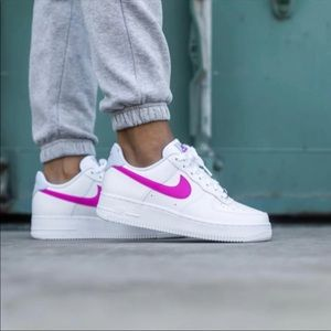✔️ New✔️ NIKE Air Force 1 '07 'Fire Pink' ~ 5